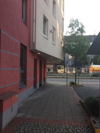 Première Classe Dusseldorf-City: Eingang
