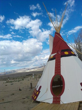 Olancha RV Park and Motel: One of the teepees