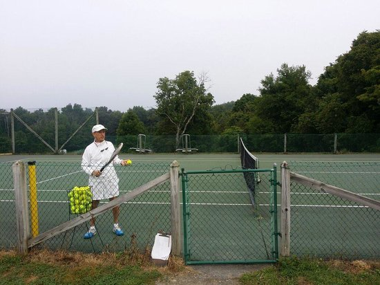 Total Tennis: Ed opening the afternoon session