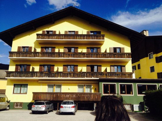 Andreas Hofer : Retro albergo con camere vista giardino