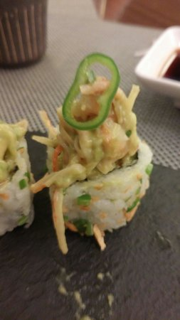 Kampai : Fusion of Mexican and Japanese to create guacamole sushi