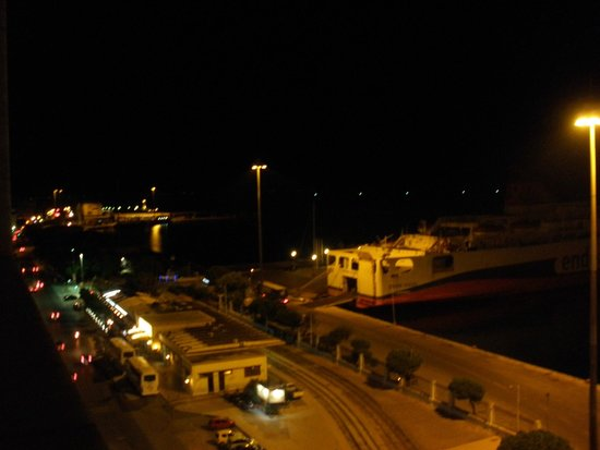 Astir Hotel: View of the port