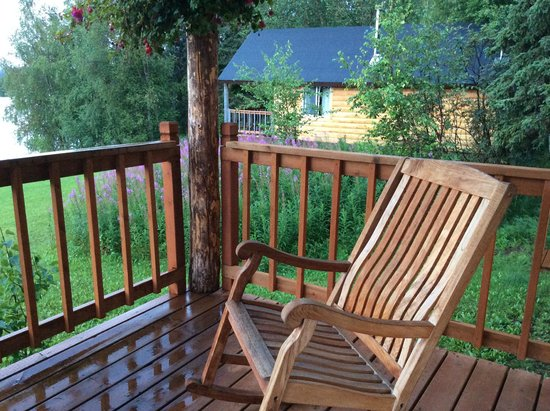 Winterlake Lodge: front porch