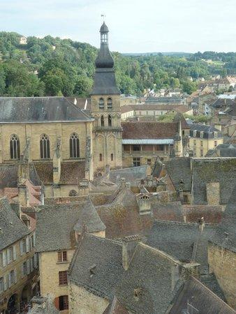 """Cathédrale Saint-Sacerdos  : Cathédrale vue de l'attraction """"Sarlat vue du ciel"""""""