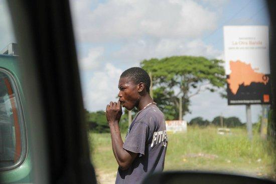 Barcelo Bavaro Beach - Adults Only: Гаитянец на плантации сахарного тростника