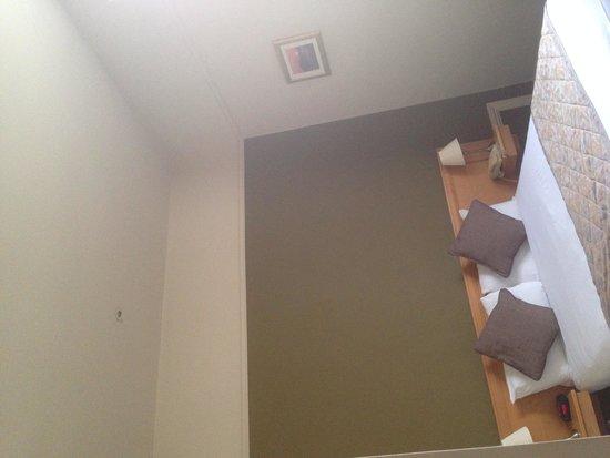 The Brighton Hotel: High ceiling