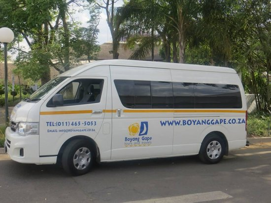 Fourways, Νότια Αφρική: 13 Seater Toyota Quantum with aircon
