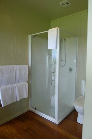 Koura Lodge: Shower