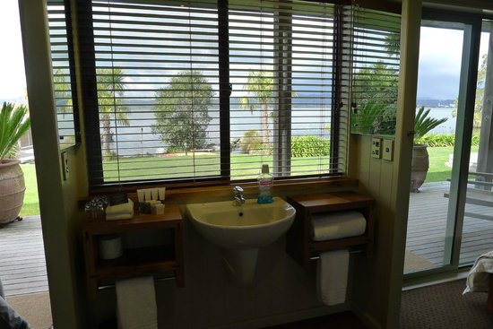 Koura Lodge: View From The Bathroom