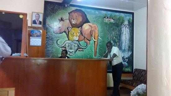 Thomson Falls Lodge: Reception desk at T F Lodge.