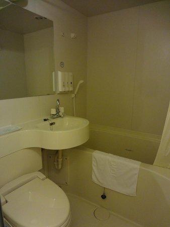Toyoko Inn Shinagaw Oimachi: Bathroom