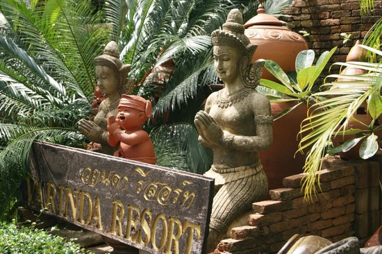 Varinda Garden Resort: Decorations territory