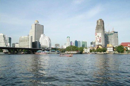 ibis Bangkok Riverside: Flussufer
