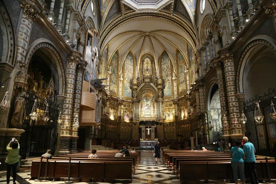 Barcelona Turisme - Afternoon in Montserrat Tour : Cathedral at Montserrat Mountain