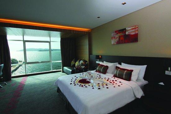 Hotel Grandis: Deluxe Sea View Room with Honeymoon setup