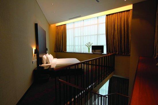 Hotel Grandis: 2-Floor Executive Suite