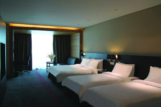 Hotel Grandis: Family Room, 1 King bed + 2 twin beds