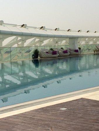 Yas Viceroy Abu Dhabi: Pool
