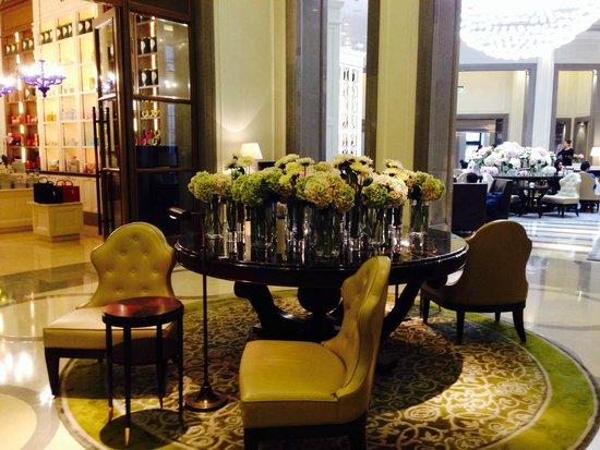 Corinthia Hotel London: Lobby