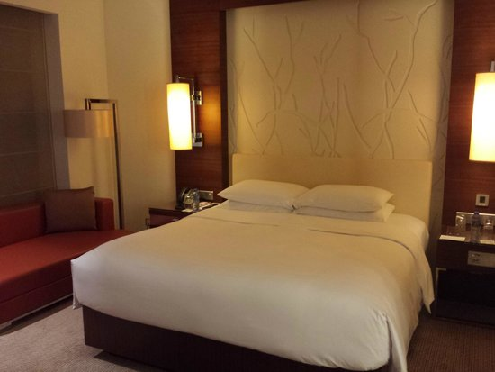 Grand Hyatt Macau: very cozy and big bed