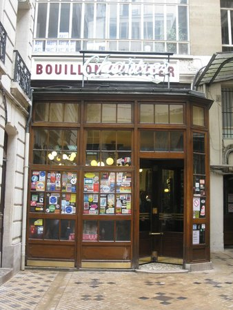 Hotel Corona Opera: Bouillon Chartier - old restaurant in adjoining street to hotel