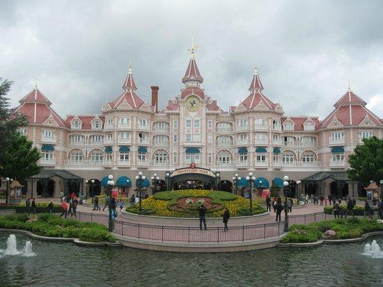 Hotel Corona Opera: Disneyland Paris - went by train