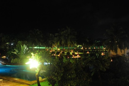 The LaLiT Golf & Spa Resort Goa: Night View Swimming pool