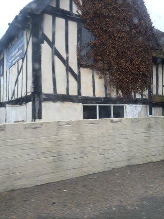 Tudor Oaks Lodge: View from main road