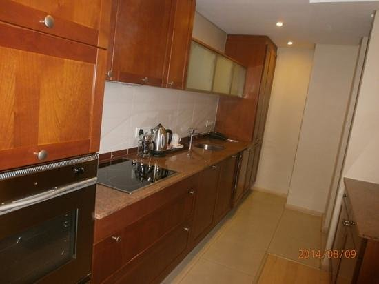 Protea Hotel by Marriott Cape Town North Wharf: Kitchen