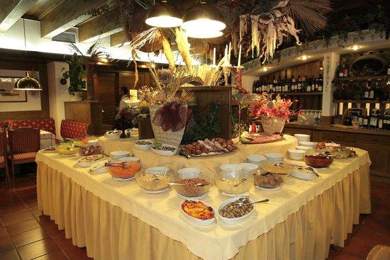 Hotel Monzoni : Buffet