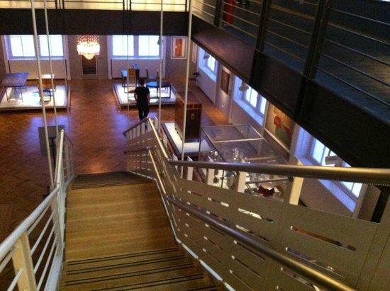 MAK - Österreichisches Museum fur Angewandte Kunst / Gegenwartskunst: una delle sale laterali