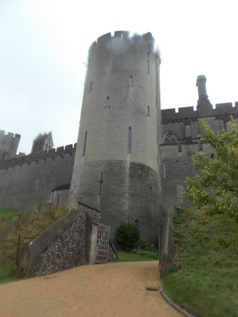 Arundel Castle and Gardens: 27.8.2014 it started to rain after being there for 3 hours so we couldnt see much of the gardens