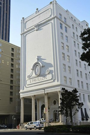 Le Pavillon Hotel: Fascade of Le Pavillon
