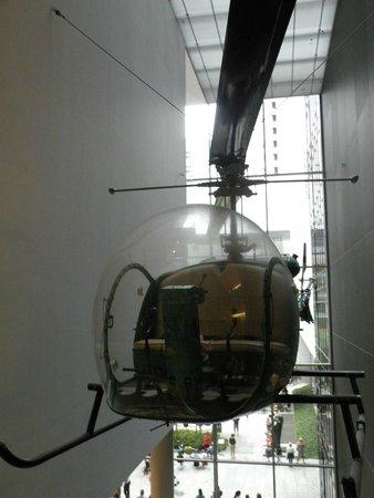 The Museum of Modern Art (MoMA): Un hélicoptère dans la MoMa