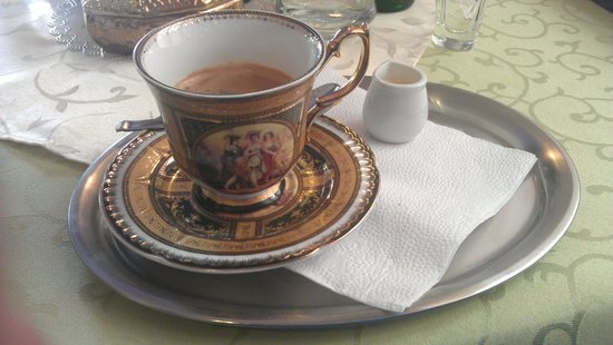 Grand Luxury Hotel: nej kávička