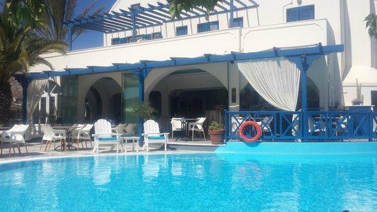 Hermes Hotel : schöner Poolbereich