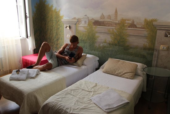 Suites Trastevere: some room