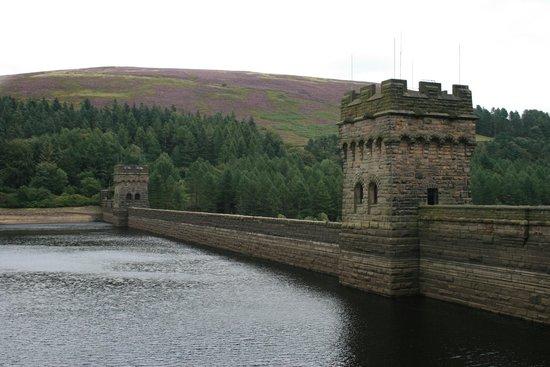 Derwent Dam: Derwent reservoir