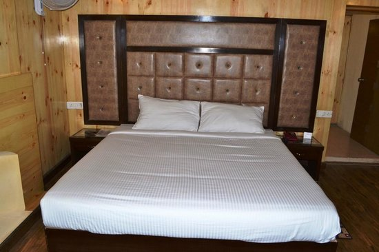 Woodrock Hotel Manali