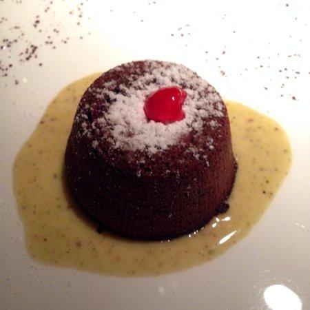 Sapori Perduti: Tortino caldo con cuore fondente e crema al pistacchio