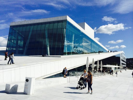 The Norwegian National Opera & Ballet : Walk on to the roof of the Opera House