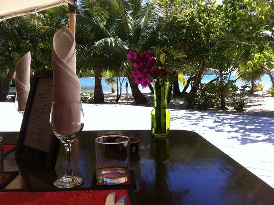 Navutu Stars Fiji Hotel & Resort: tutti a tavola
