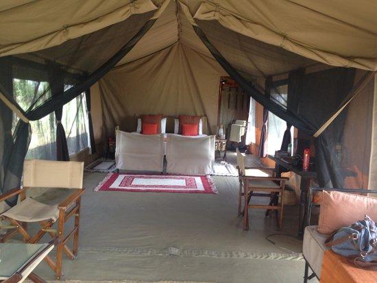 Olakira Camp, Asilia Africa: Very comfortable tent