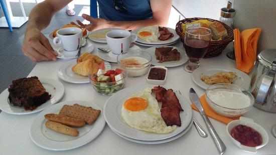 Lenikos Resort : Petit déjeuner