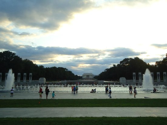Lincoln Memorial: From the center of the World War II memorial.