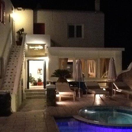 Damianos Hotel: damianos di sera