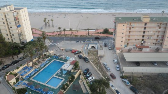 Hotel Poseidon Playa : From our balcony + tunnel to beach