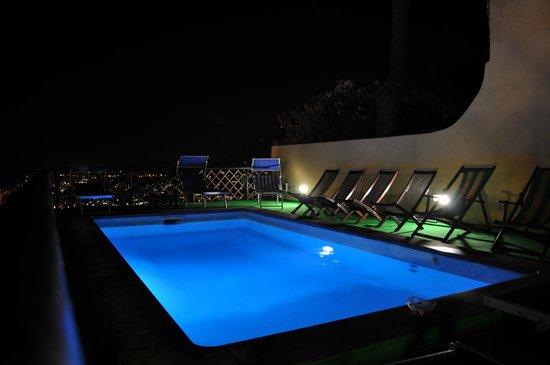 Sweet Poseidon: piscina