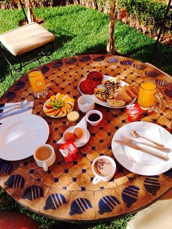 Albakech House: Beautiful breakfast