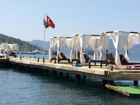 TUI Sensimar Marmaris Imperial Hotel : A day in the cabanas is recommended